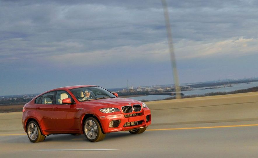 2010 BMW X6 M - Slide 26
