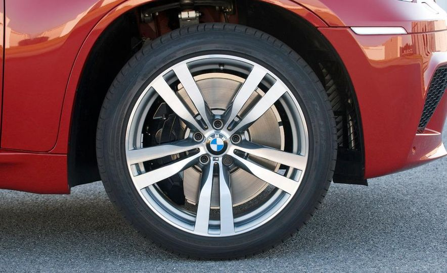 2010 BMW X6 M - Slide 43
