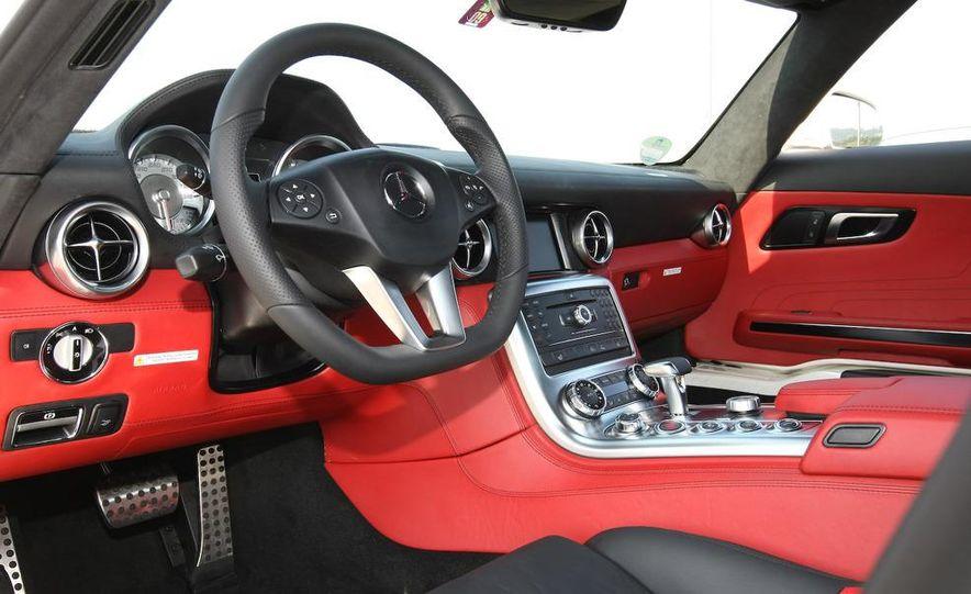 2011 Mercedes-Benz SLS AMG - Slide 31
