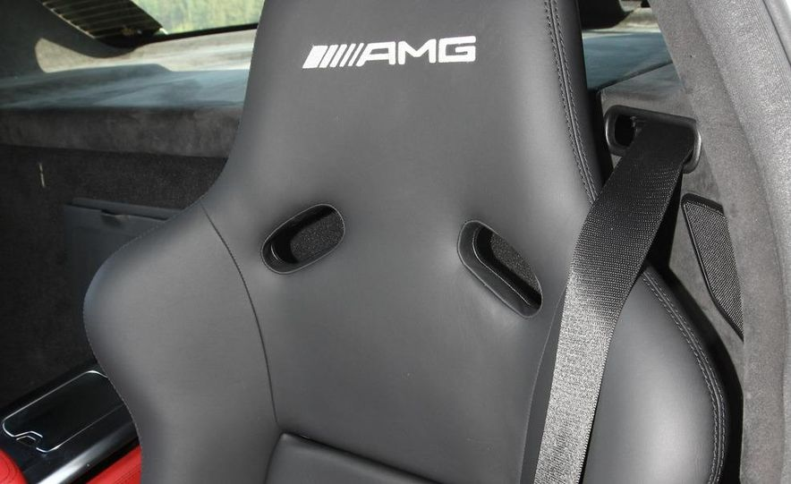 2011 Mercedes-Benz SLS AMG - Slide 39