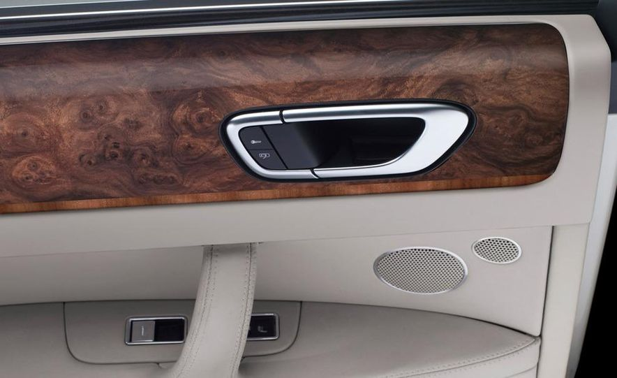 2011 Grand Bentley (artist's rendering) - Slide 33