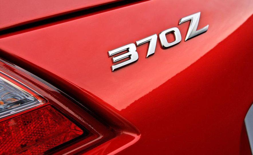 2009 Nissan 370Z SynchroRev Match button - Slide 10