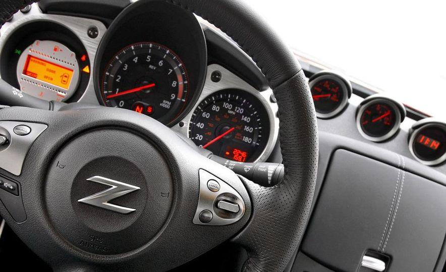 2009 Nissan 370Z SynchroRev Match button - Slide 12