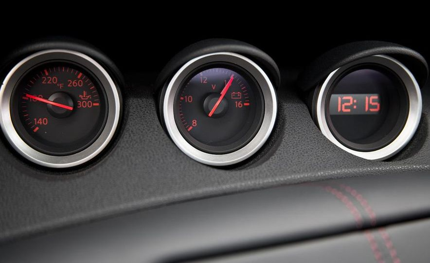 2009 Nissan 370Z SynchroRev Match button - Slide 31