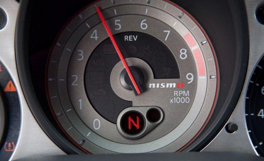 2009 Nissan 370Z SynchroRev Match button - Slide 30