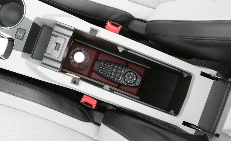 2010 Chevrolet Equinox - Slide 8
