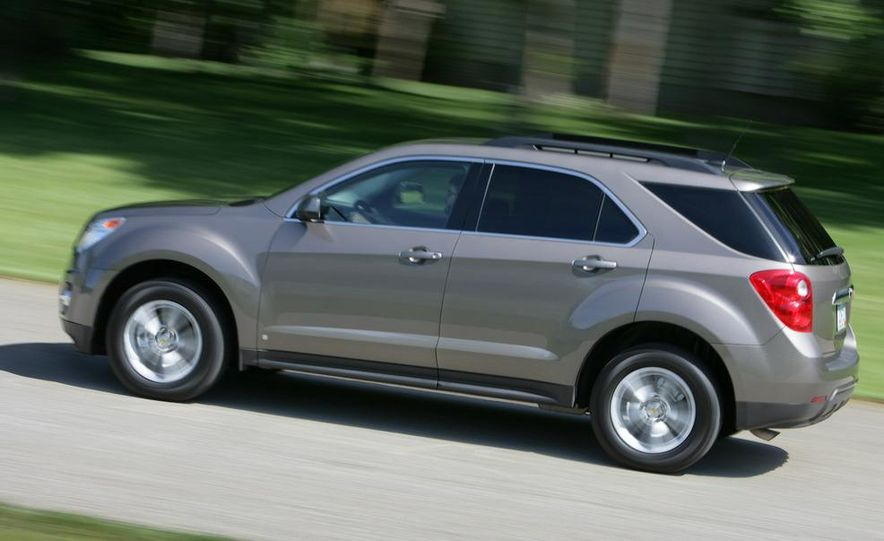 2010 Chevrolet Equinox - Slide 5