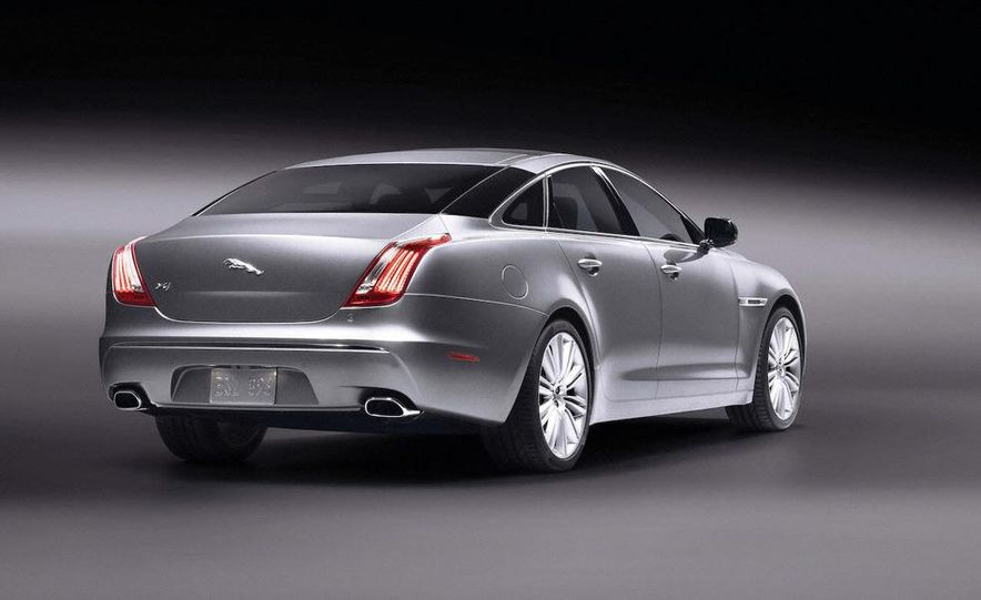 2010 Jaguar XJ - Slide 10