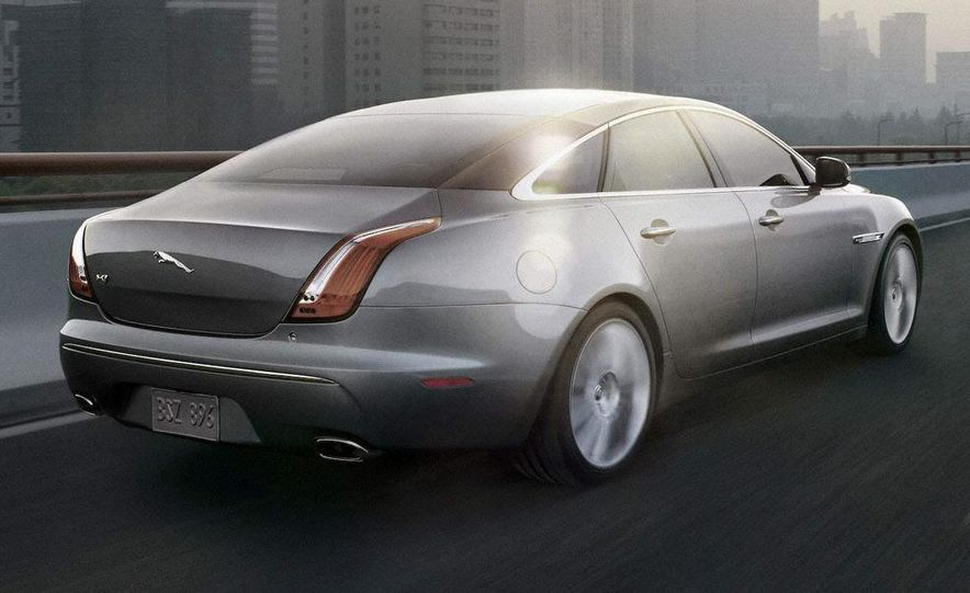2010 Jaguar XJ - Slide 1