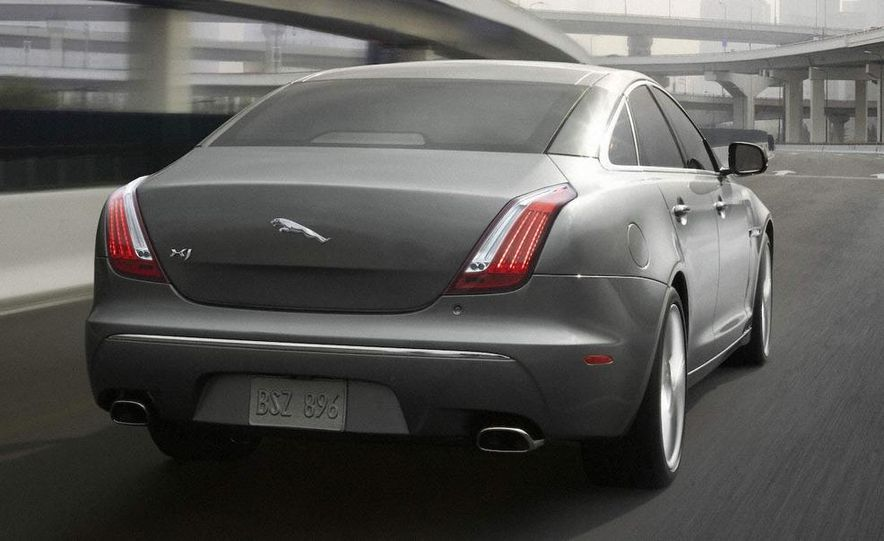 2010 Jaguar XJ - Slide 2