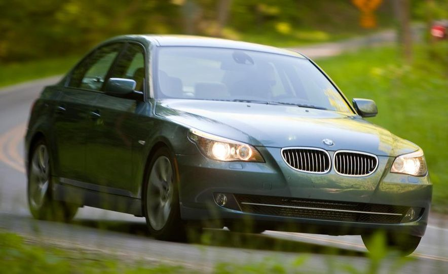2009 Jaguar XF, 2010 Mercedes-Benz E350, 2009 Audi A6 3.0T Quattro, 2009 Infiniti M45, and 2009 BMW 535i - Slide 39