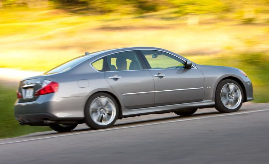 2009 Jaguar XF, 2010 Mercedes-Benz E350, 2009 Audi A6 3.0T Quattro, 2009 Infiniti M45, and 2009 BMW 535i - Slide 55