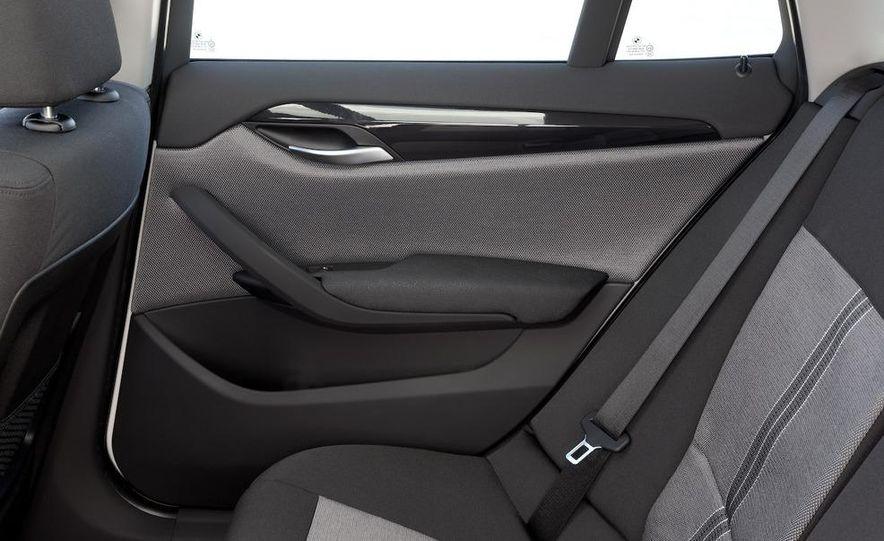 2010 BMW X1 xDrive23d (European model) - Slide 13