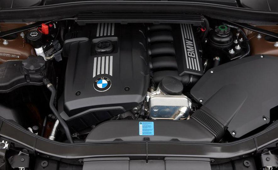 2010 BMW X1 xDrive23d (European model) - Slide 4