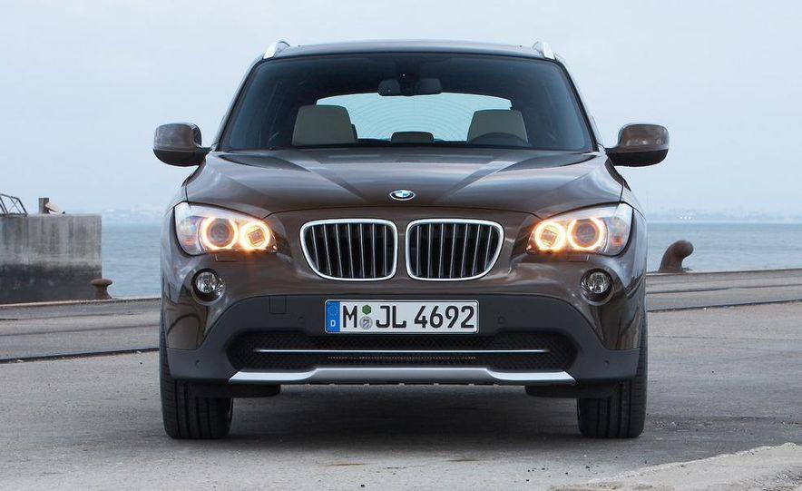 2010 BMW X1 xDrive23d (European model) - Slide 11