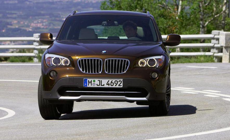 2010 BMW X1 xDrive23d (European model) - Slide 17