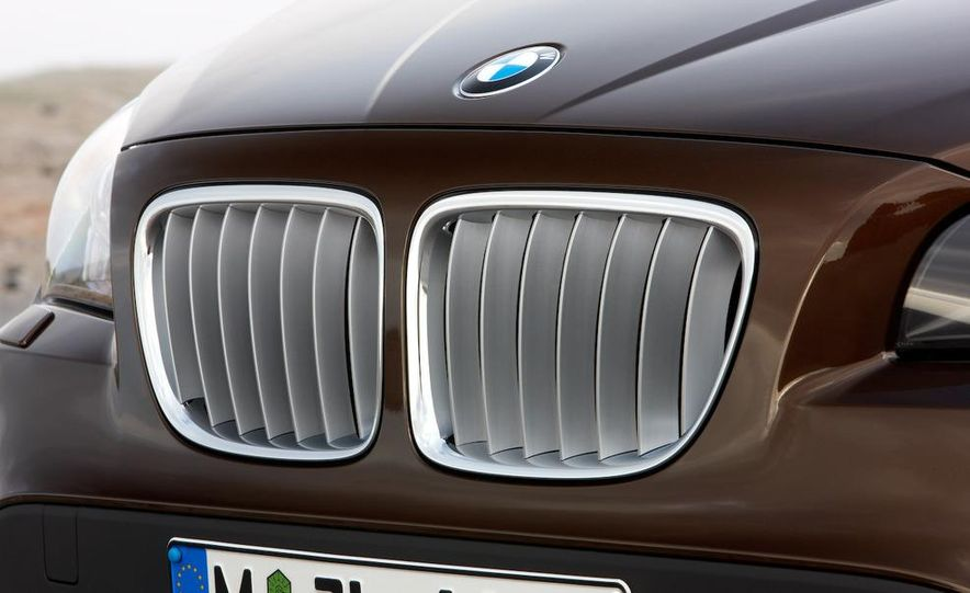 2010 BMW X1 xDrive23d (European model) - Slide 44