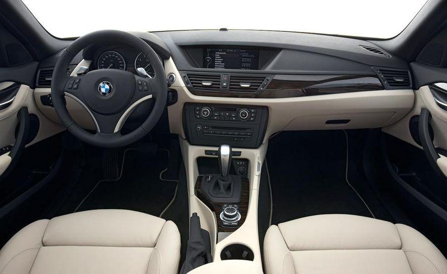 2010 BMW X1 xDrive23d (European model) - Slide 59