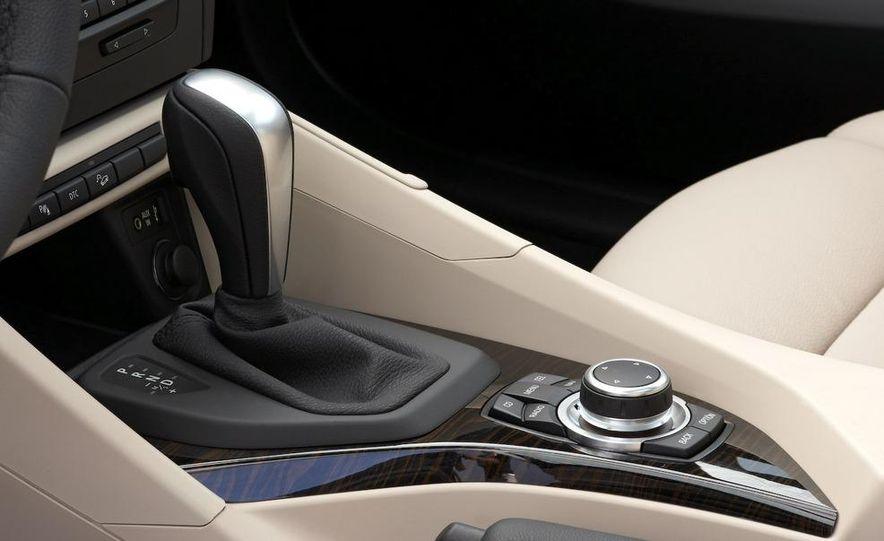 2010 BMW X1 xDrive23d (European model) - Slide 28