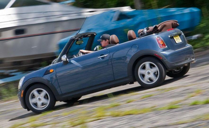 2009 Mini Cooper convertible - Slide 2