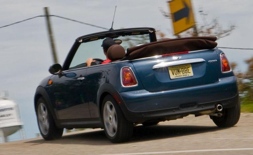 2009 Mini Cooper convertible - Slide 3