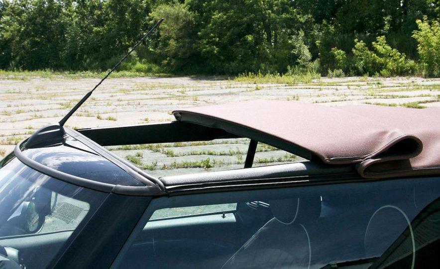 2009 Mini Cooper convertible - Slide 40