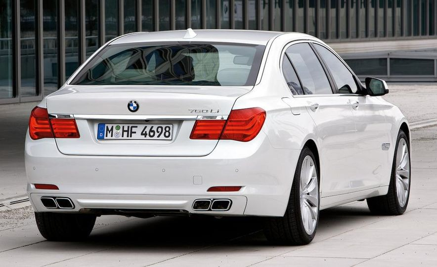 2010 BMW 760Li - Slide 15