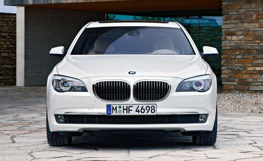 2010 BMW 760Li - Slide 16