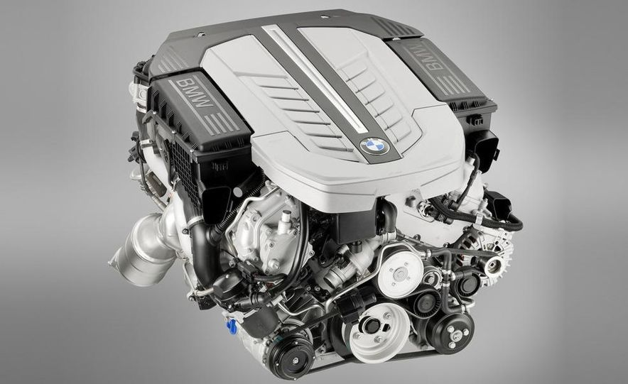 2010 BMW 760Li - Slide 21