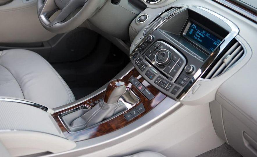 2011 Buick Regal (spy photo) - Slide 21