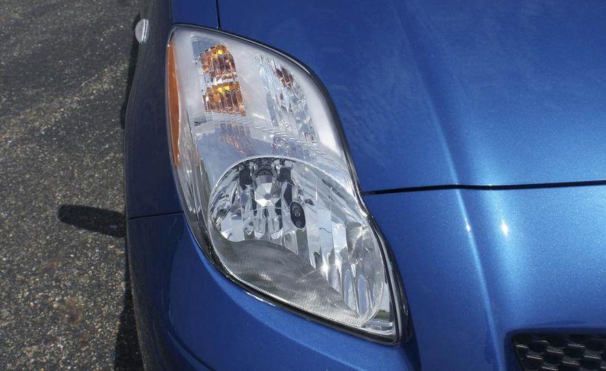 2009 Toyota Yaris 5-door hatchback - Slide 19