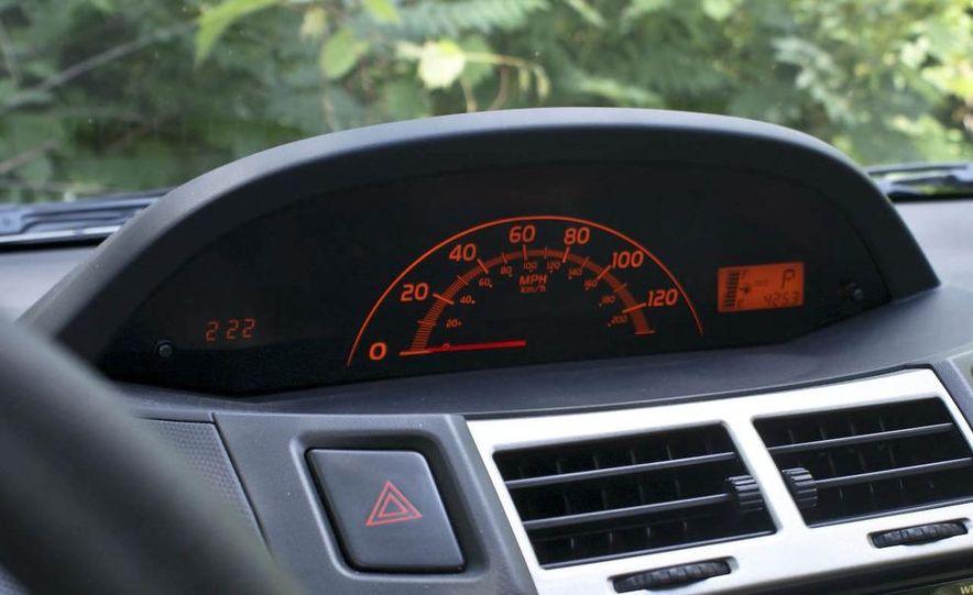 2009 Toyota Yaris 5-door hatchback - Slide 20