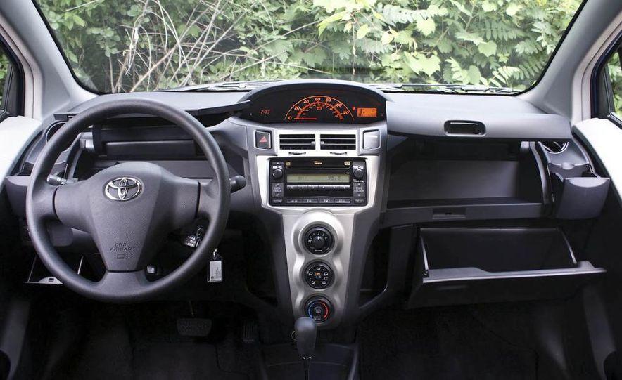 2009 Toyota Yaris 5-door hatchback - Slide 31