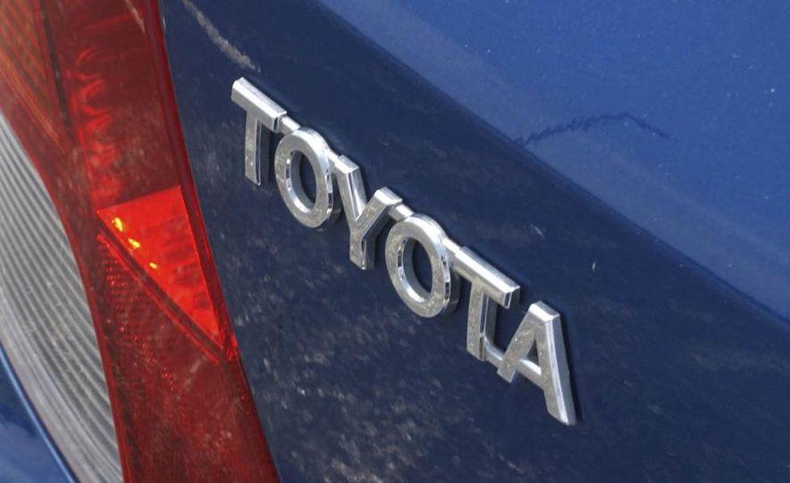 2009 Toyota Yaris 5-door hatchback - Slide 11