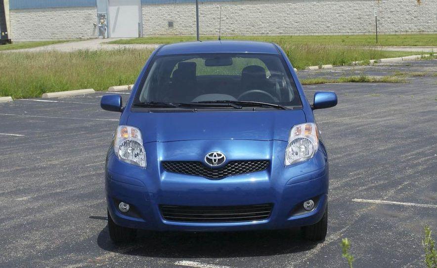 2009 Toyota Yaris 5-door hatchback - Slide 14