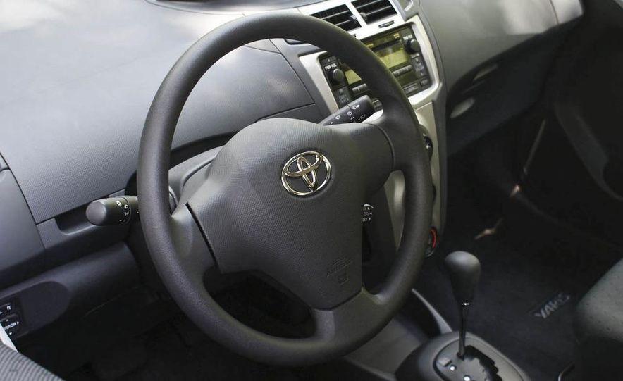 2009 Toyota Yaris 5-door hatchback - Slide 26