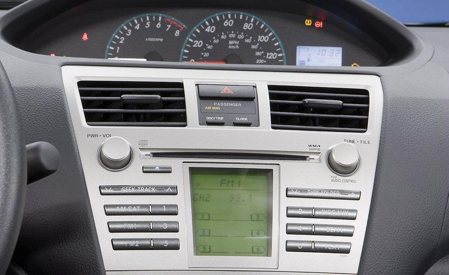 2009 Toyota Yaris 5-door hatchback - Slide 61
