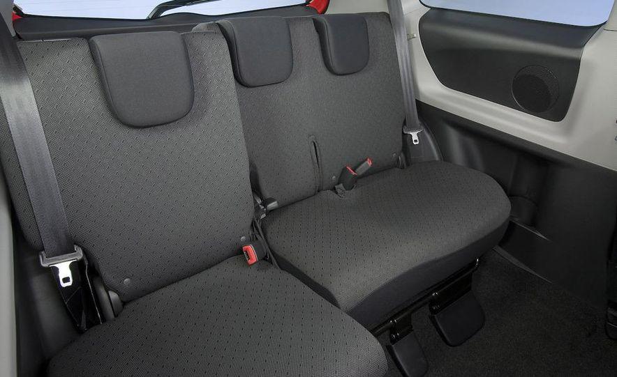 2009 Toyota Yaris 5-door hatchback - Slide 49