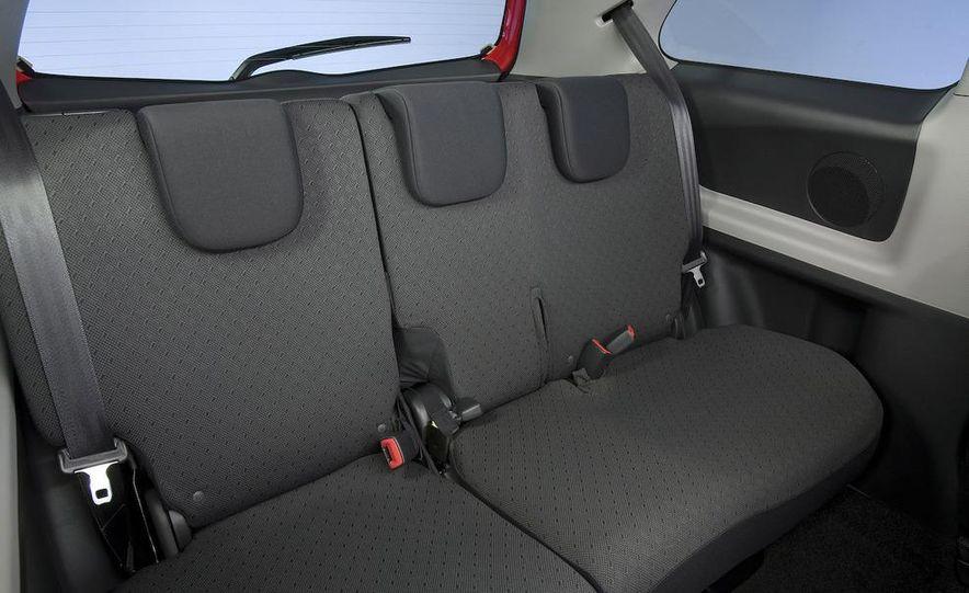 2009 Toyota Yaris 5-door hatchback - Slide 50