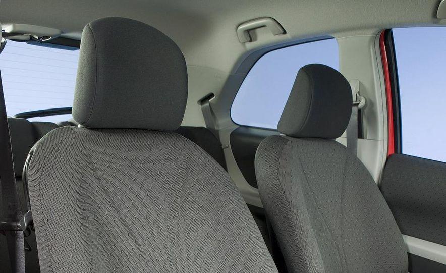 2009 Toyota Yaris 5-door hatchback - Slide 48