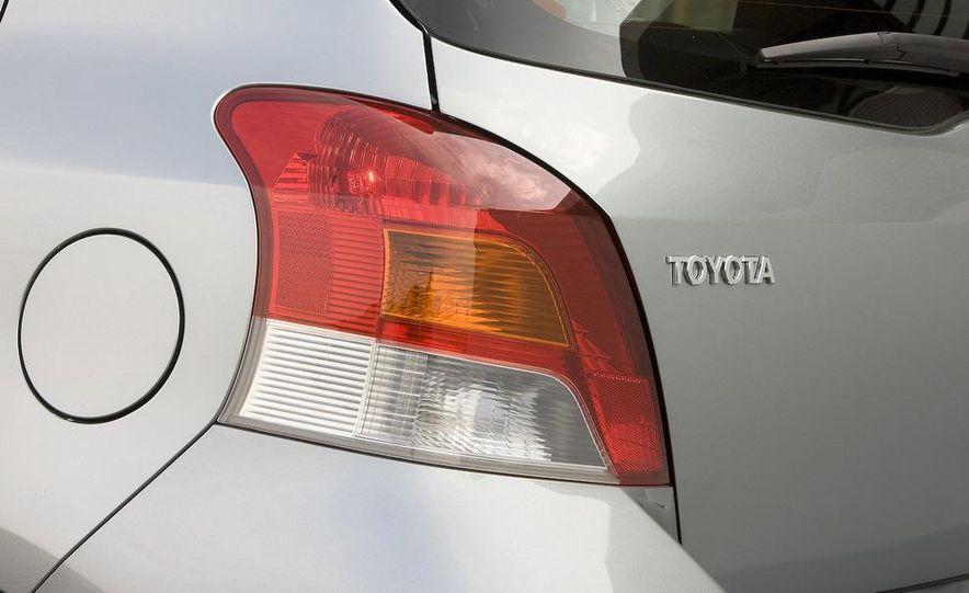2009 Toyota Yaris 5-door hatchback - Slide 98