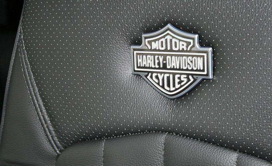 2009 International LoneStar Harley-Davidson Special Edition - Slide 64