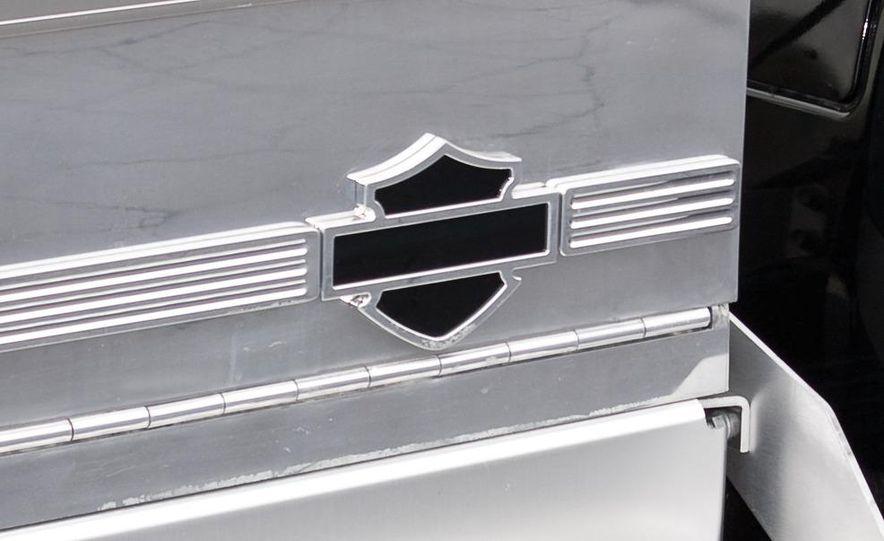 2009 International LoneStar Harley-Davidson Special Edition - Slide 8