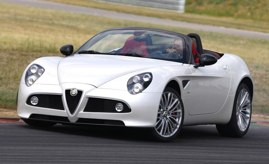 2010 Alfa Romeo 8C Spider - Slide 2