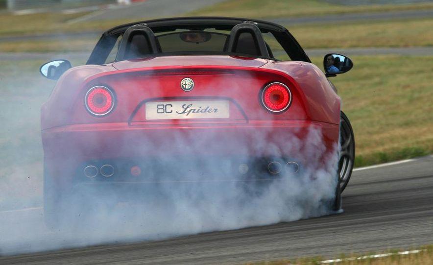 2010 Alfa Romeo 8C Spider - Slide 42