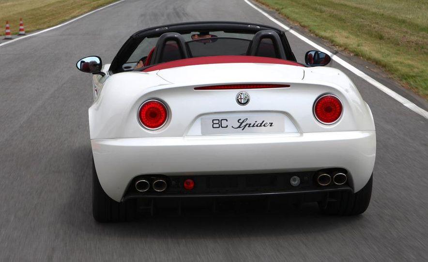 2010 Alfa Romeo 8C Spider - Slide 10