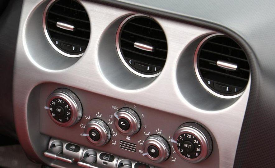 2010 Alfa Romeo 8C Spider - Slide 50