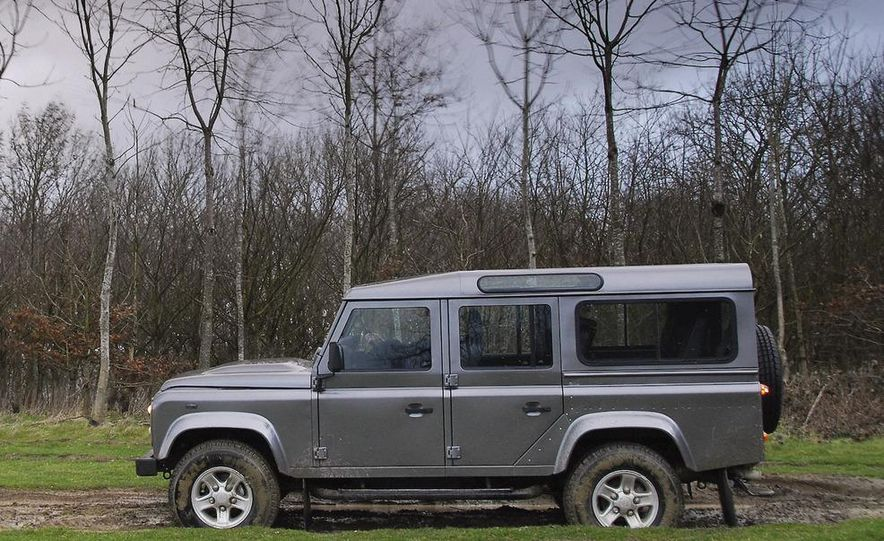 2009 Land Rover Defender 110 XS Station Wagon - Slide 1