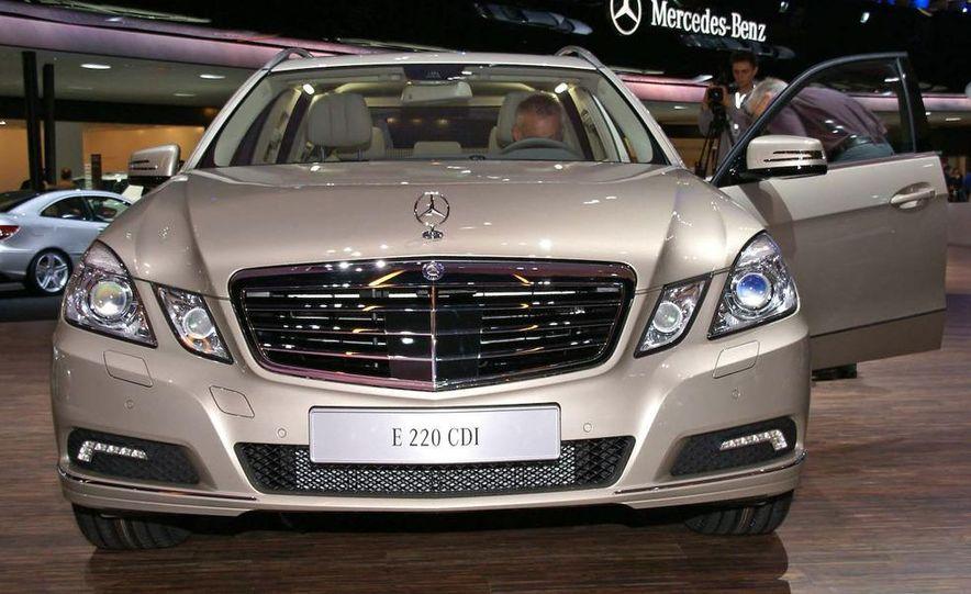 2010 Mercedes-Benz E220 CDI wagon (Euro spec) - Slide 1