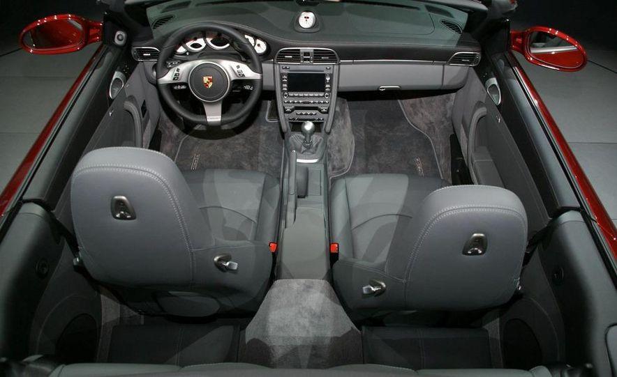 2010 Porsche 911 Turbo Cabriolet - Slide 32